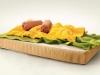 Креативная реклама матраца - завтрак: омлет с сосиской